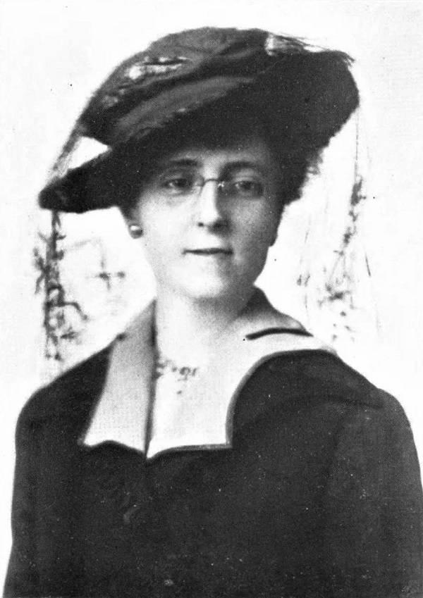 Nữ văn sĩ Lucy Maud Montgomery